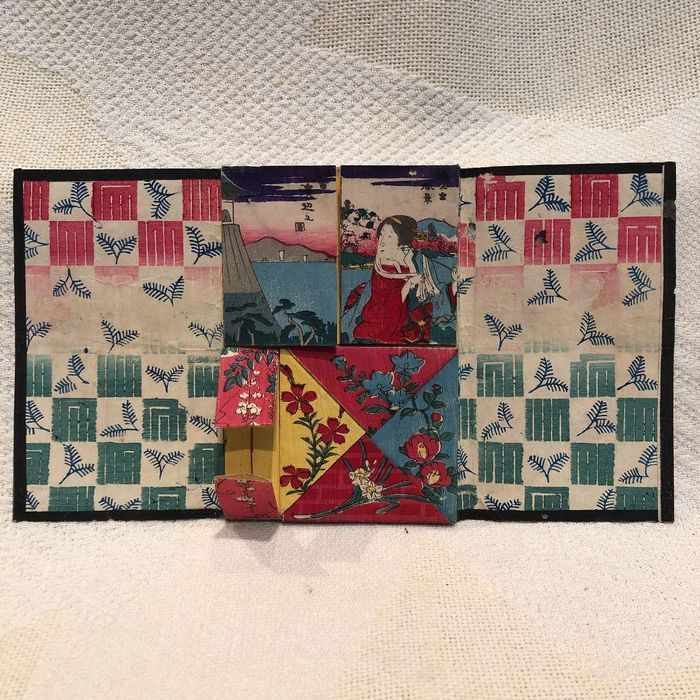 Print, Rare and unusual original folding woodblock print - Utagawa School 歌川派 - One side is an harimaze composition of bijin (beauty), landscapes and kacho (flowers and birds) - ca 1870s (Meiji period) - Japan - Catawiki