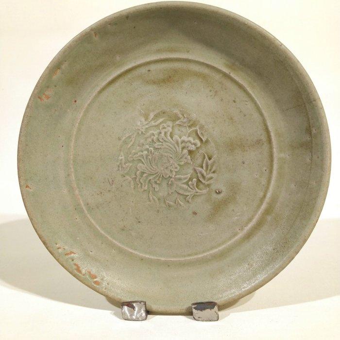 Bowl - Celadon - Porcelain - Celadon-glazed decorated Plate - China - Yuan - Ming Dynasty