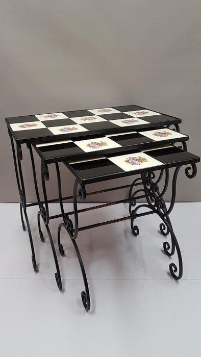 tables gigognes fer forge catawiki