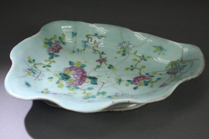 Dish - Porcelain - China - 19th century