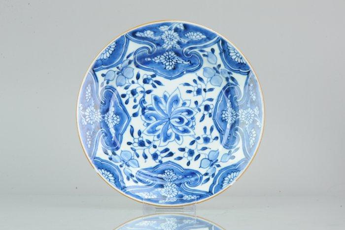 Plate - Porcelain - Chinese porcelain Kangxi Period Blue White - China - 18th century - Catawiki