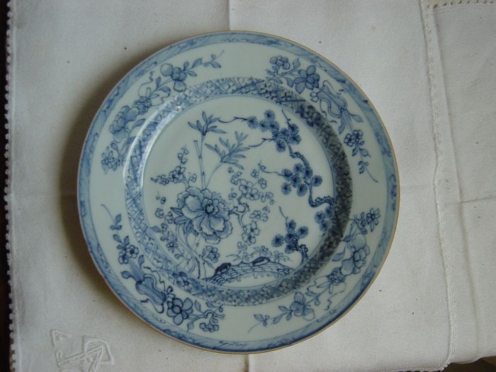 Saucer (1) - Chinese export - Porcelain - Qianlong-Three Friends of Winter, - China - 18th century - Catawiki