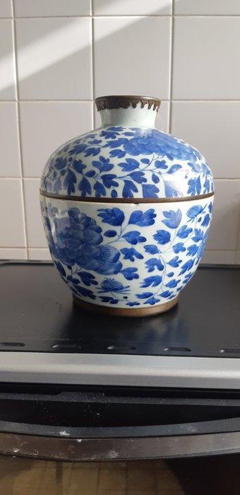 Jar (1) - Blue and white - Porcelain - ovenpot - China - 19th century