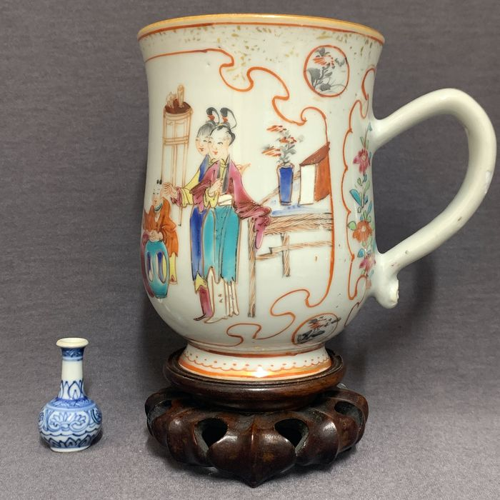 Beer mug - Famille rose - Porcelain - Chinese - Mei Ren and boys playing with dogs - Ruyi handle - China - Qianlong (1736-1795)