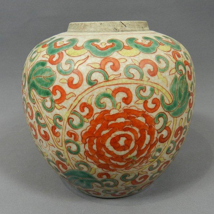 Globular vase - Crackle, Famille verte - Porcelain - China - 19th century