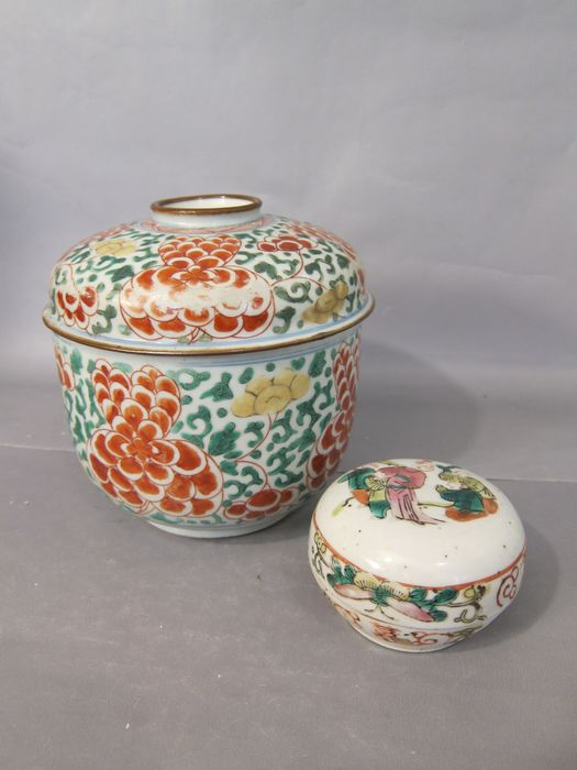 Wucai Jars with Covers (2) - Porcelain - China - Qing Dynasty (1644-1911)