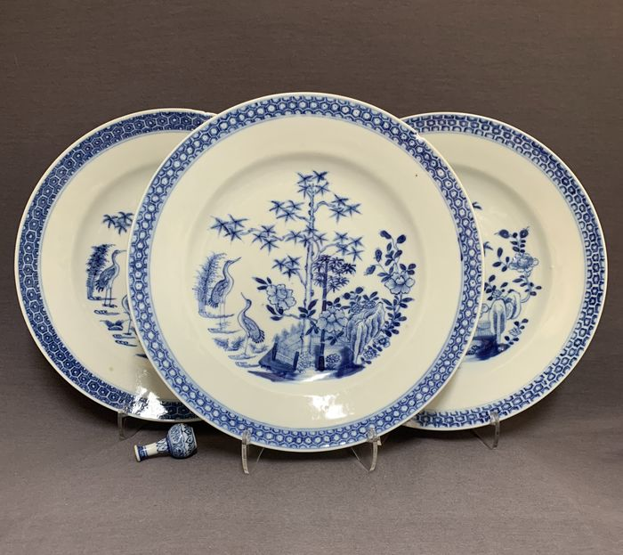 Plates (3) - Porcelain - Chinese - Two herons in a landscape - China - Qianlong (1736-1795)