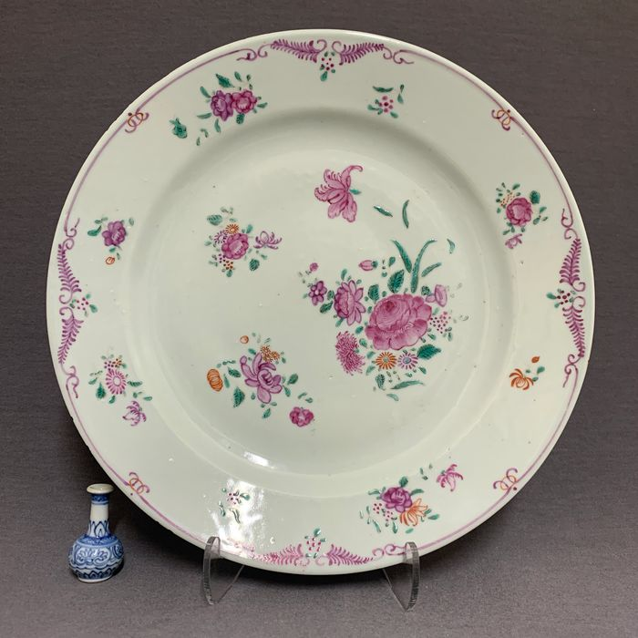 Plate - Famille rose - Porcelain - Chinese - Peonies - Floral sprays - China - Qianlong (1736-1795)