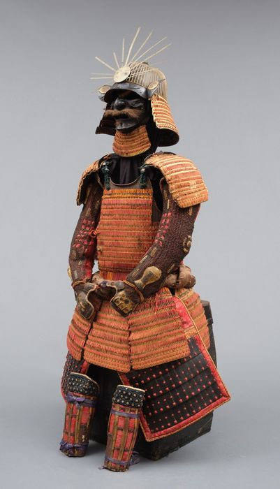 Yoroi - Lacquered metal - An orange gilded samurai armor (yoroi) with a rare 64 plate sujikabuto-helmet - Japan - Edo Period (1600-1868)