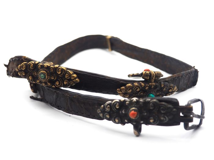 Old traditional ornate belt - Bronze, Coral, Leather, Turquoise - Tibet - 19th century