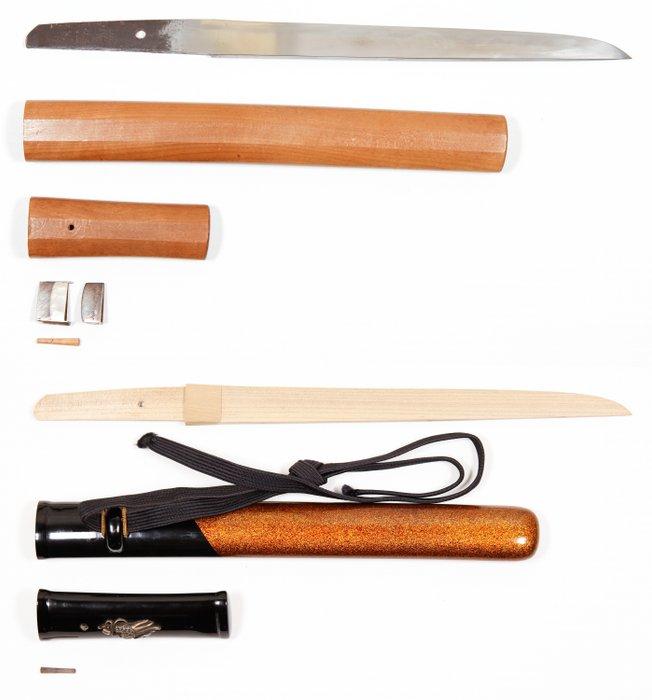 Tanto, with certificate (Kanteisho) (1) - Steel - Samurai - Fujishima - Tanto (短刀) signed by Fujishima (藤嶋) - Japan - 16th century