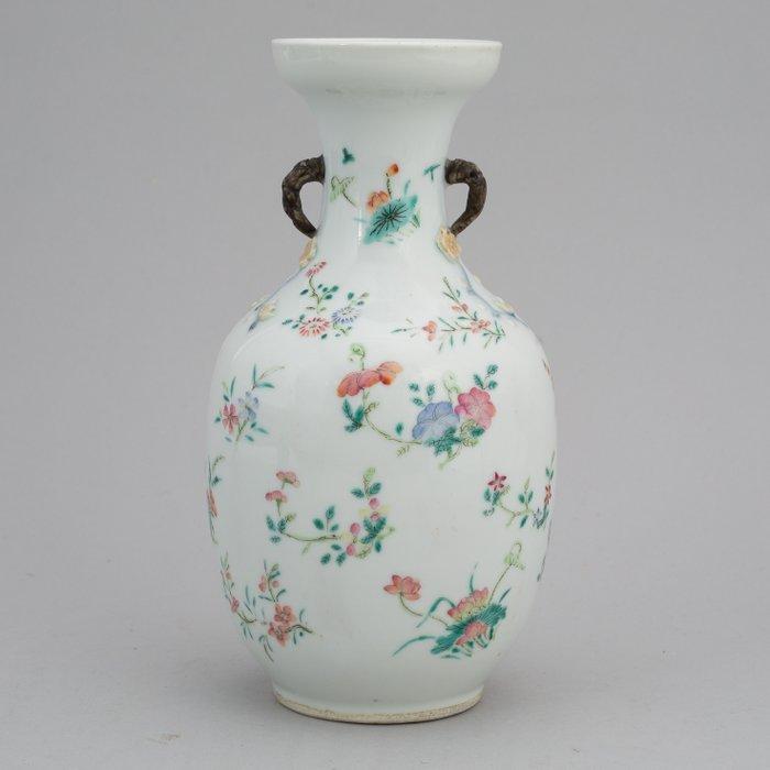 Vase (1) - Famille rose - Porcelain - Guangxu Period - China - Guangxu (1875-1908)