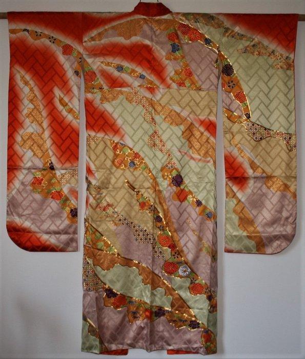 Kimono - Silk - Antieke furisode kimono kiku met borduur - Japan - Early 20th century