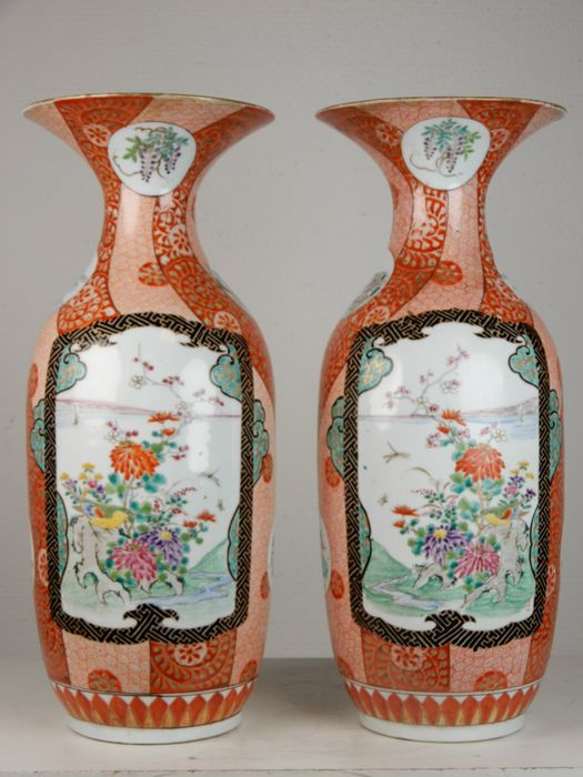 An excellent pair of Arita vases marked Hichozan Shimpo - Porcelain - Japan - Late 19th century
