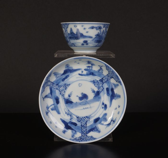 cup and saucer with landscape painting (1) - Blue and white - Porcelain - China - 18th century