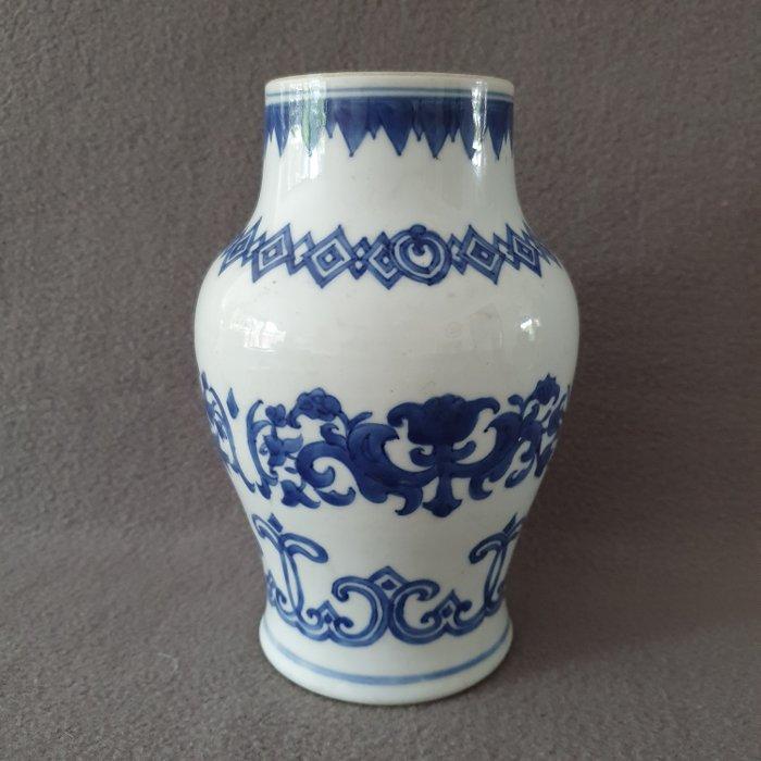 Vase (1) - Blue and white - Porcelain - China - Kangxi (1662-1722)