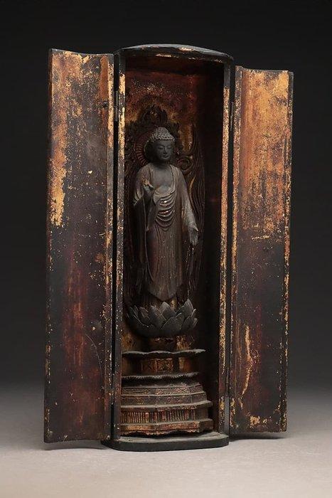 Butsudan (1) - Gold, Lacquer, Wood - Large and fine Amida Buddha home altar - Japan - Edo Period (1600-1868)