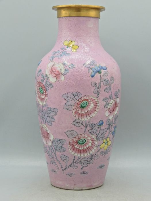 Scraffiato pink ground floral-themed vase - Brass, Porcelain - China - 19th century