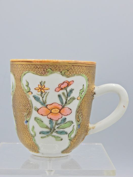 Finely painted cup - Famille rose - Porcelain - China - 18th century