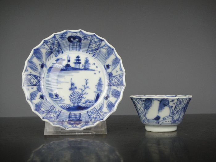 Cup and saucer - Porcelain - China - 18th century