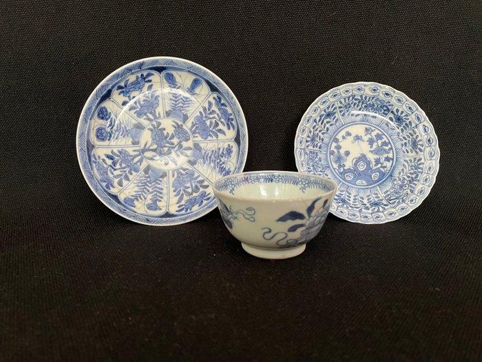Tea cup, Tea tile (3) - Porcelain - China - Qing Dynasty (1644-1911)