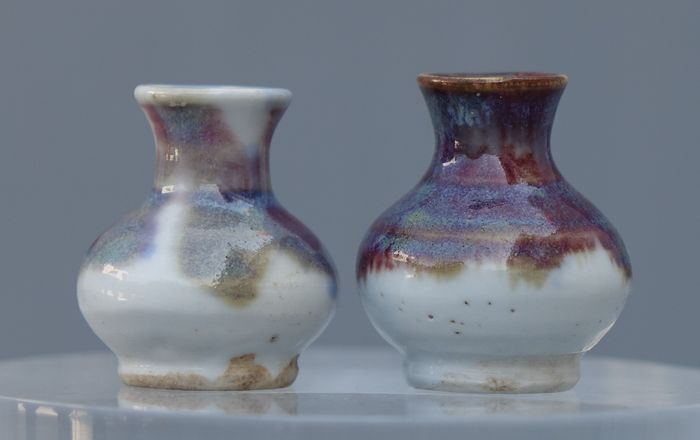 Vases (2) - Porcelain - Two Chinese Miniature Porcelain Vases / 19th Century - China - 19th century