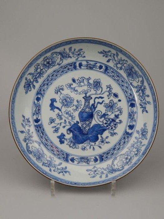 Dish - Porcelain - China - Yongzheng (1723-1735)