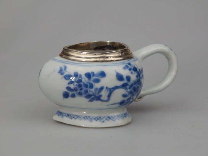 salt cellar - Porcelain - China - Kangxi (1662-1722)