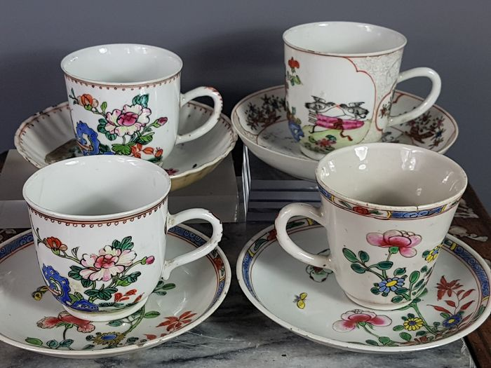 4 porcelain cups + 1 free - Porcelain - China - 18th century