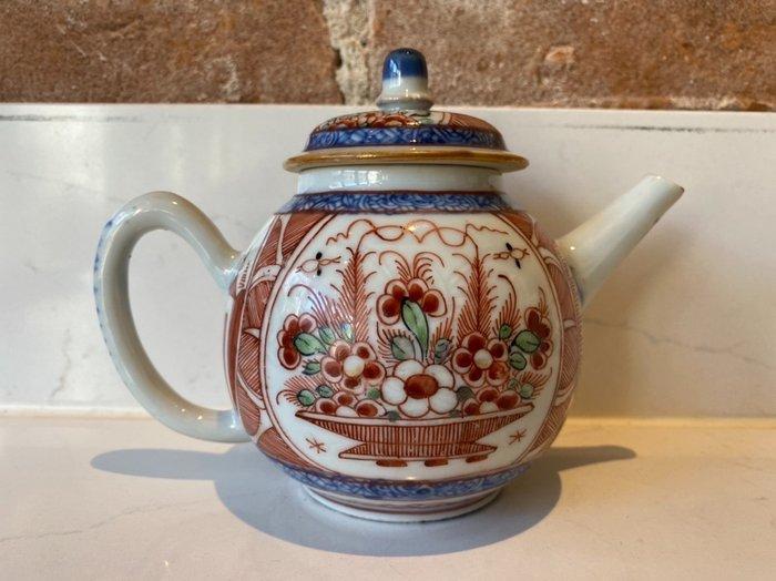 Teapot - Porcelain - China - Kangxi (1662-1722)
