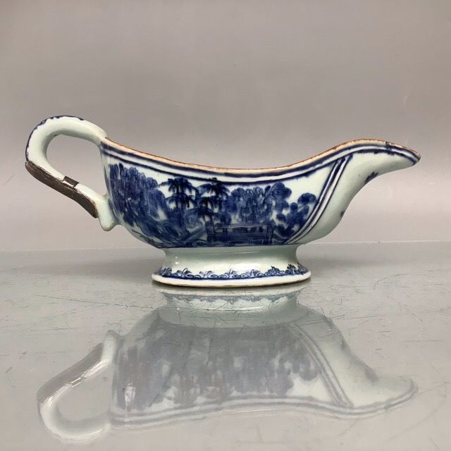 Sauce boat - Blue and white - Porcelain - China - 18th century
