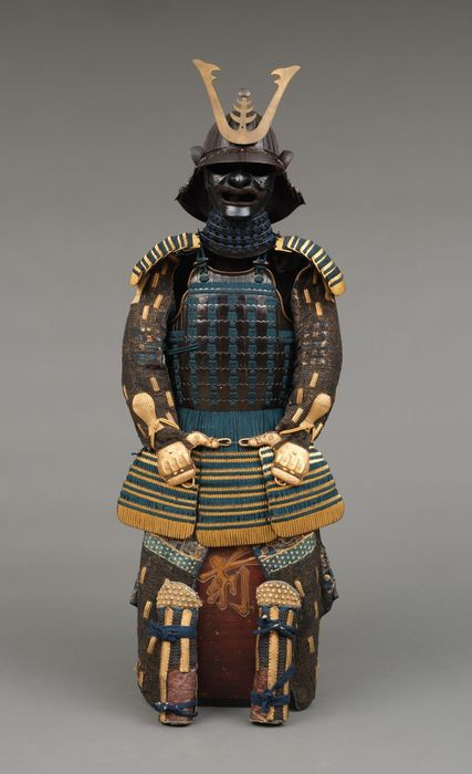 suit of armor - metal - textile - yoroi & yoroi and cone-shaped kakinominari ('kaki-fruit shaped') sujikabuto-helmet - black & partly gold lacquered yoroi with dark indigo cords (kuro'urushinuri kon'iro tôsei gusoku) - Japan - Edo Period (1600-1868)