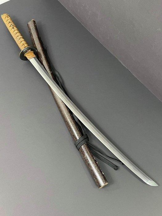 Katana (1) - Steel - Bisho Osafune Sukesada - Japan - Muromachi period (1333-1573)