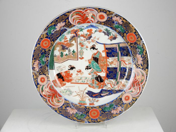 Large charger - Imari - Porcelain - Japan - Late Edo period
