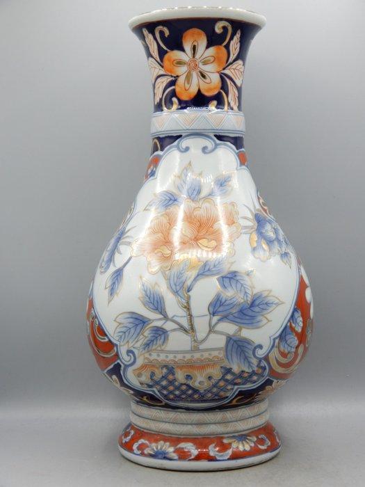 Large pear-shaped vase - Imari - Porcelain - Japan - Meiji period (1868-1912)