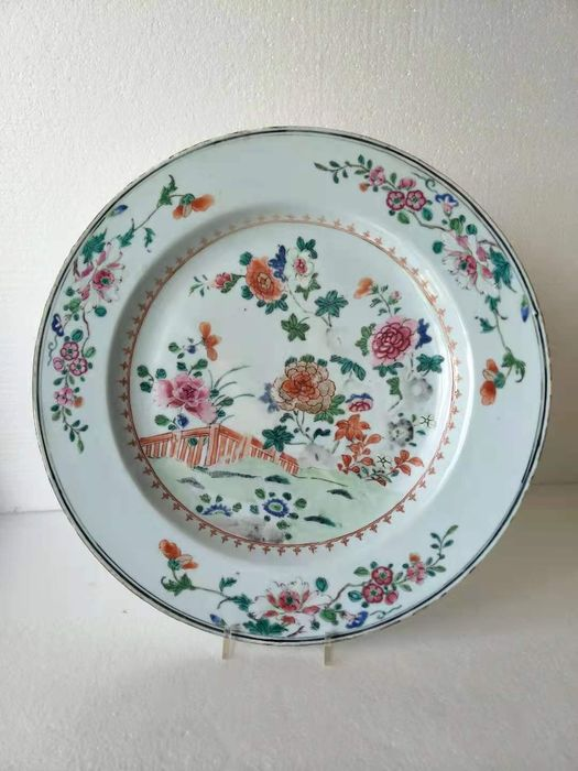 Plate - Famille rose - Porcelain - Flowers - China - Qianlong (1736-1795)