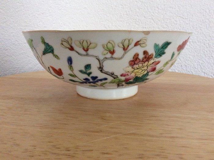 Kangxi bowl (1) - Famille rose - Porcelain - China - 19th century