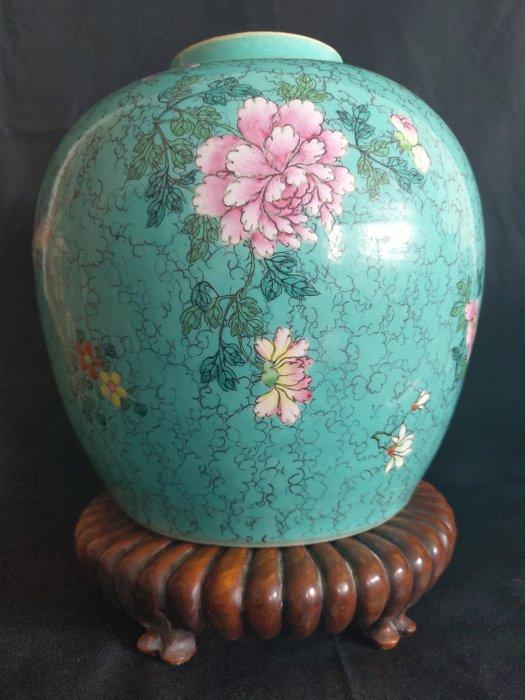 Vase (1) - Famille rose - Porcelain - Flowers - Chinesisches Türkisgrün vase 18. Jahrhundert - China - 18th century