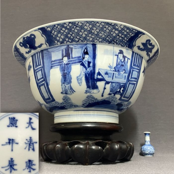 """Bowl - Porcelain - """"Klapmuts"""" - """"Romance of the Western Chamber"""" - Kangxi six character reign mark and of the period! - China - Kangxi (1662-1722)"""