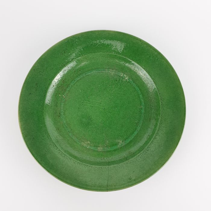 Plate (1) - Monochrome - Porcelain - Exquisite Chinese 18th Century Spinach Plate, Monochrome Green Plate - China - 18th century