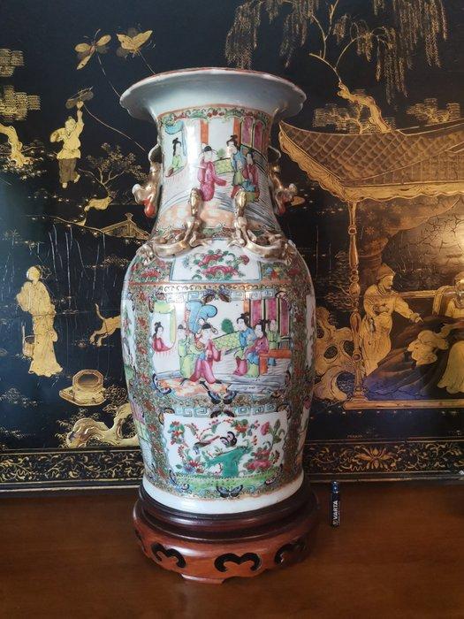 Vase (1) - Canton, Famille rose - Porcelain - China - 19th century