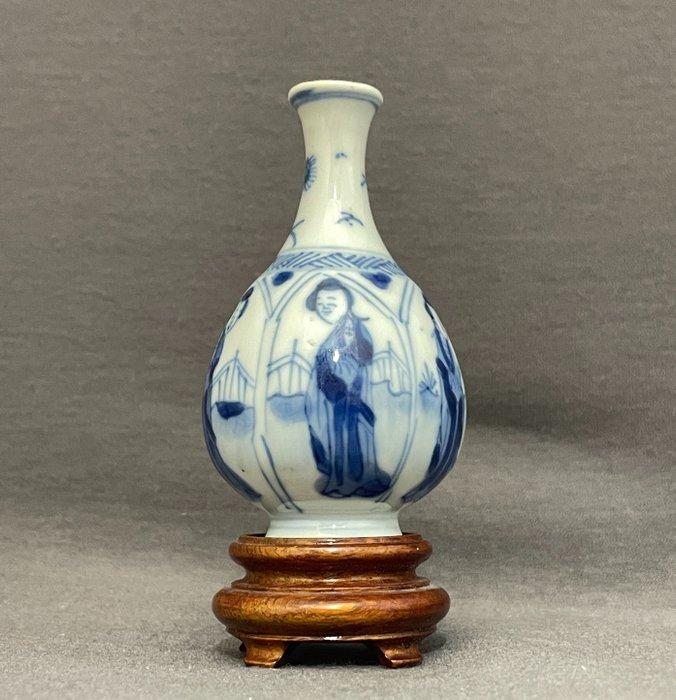 Vase - Porcelain - Chinese - Lotus petal shaped panels - Marked Artemisia leaf - China - Kangxi (1662-1722)