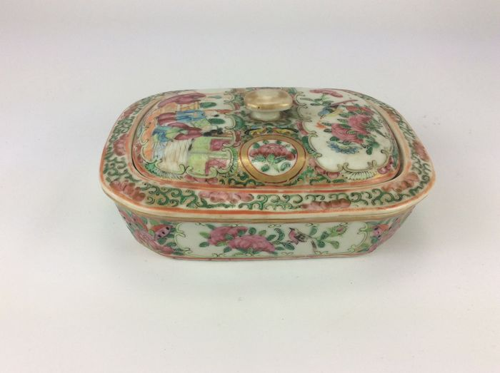 Lidded bowl Chinese Famille Rose porcelain with drainer - Porcelain - China - 19th century