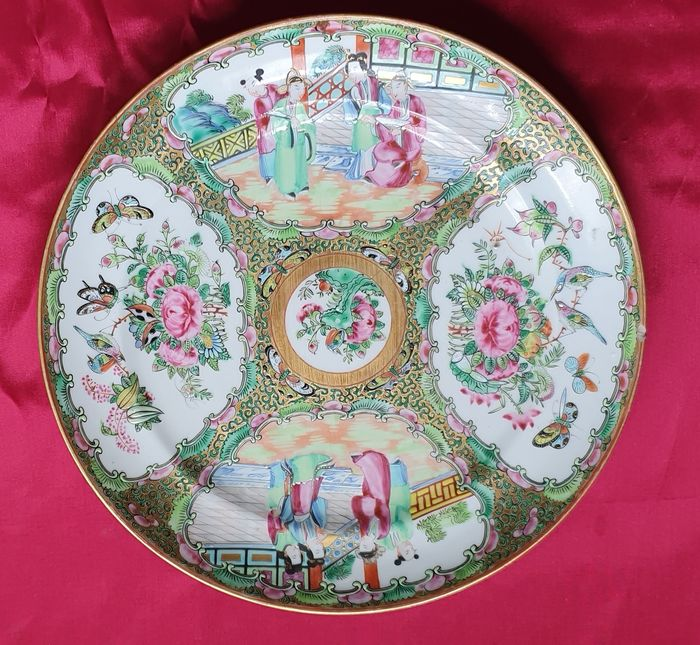 Plate - Canton, Famille rose - Porcelain - China - 19th century