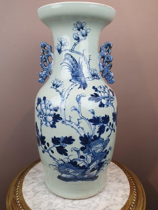 "Vase (1) - Porcelain - Blue-white Celadon ""birds and flowers"" - China - 19th century"