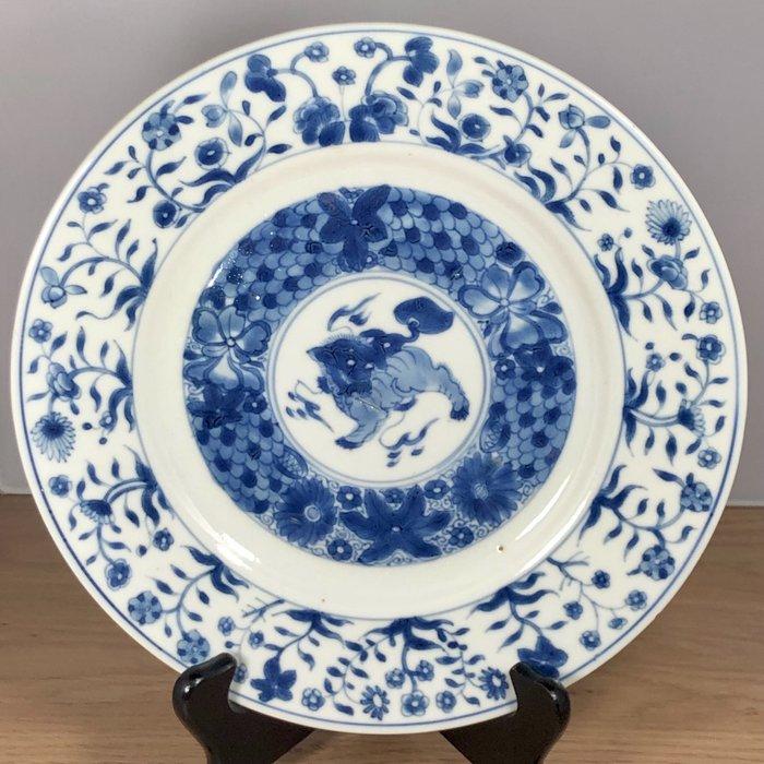 Charger - Porcelain - China - Kangxi (1662-1722)