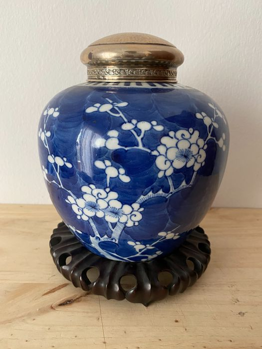 Ginger jar, With Silver Cover - Blue and white - Porcelain - China - Qing Dynasty (1644-1911)