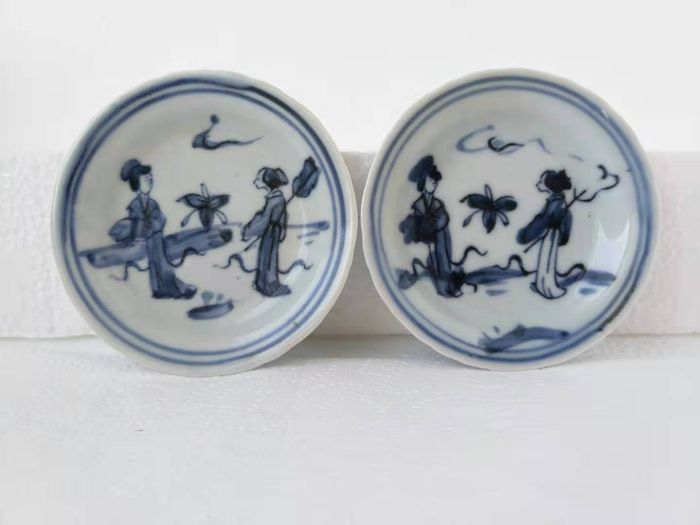 Vessel (2) - Blue and white - Porcelain - Woman - China - Qing Dynasty (1644-1911)