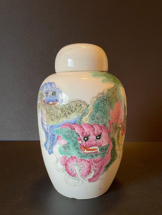 Pot (1) - Porcelain - Foo dog - China - 19th century