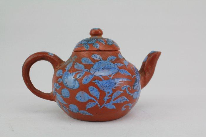 Teapot - Yixing clay - China - Qing Dynasty (1644-1911)